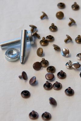 24 Hohlnieten mit Werkzeug, 9 mm