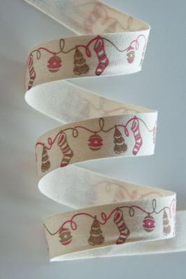 Baumwollband 15mm mit Weihnachtsstrümpfen, Meterware